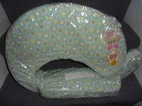 NEW / SEALED - Breastfeeding Pillow - EXPRESS YOURSELF Mums - with removable cover / slipcase