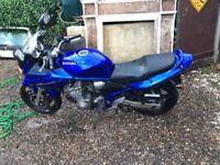 Suzuki Bandit 600s motorbike