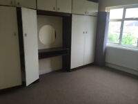 Spacious 4 Bedroom House with 2 WC At HA9