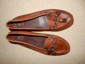 Real leather Moccasins women