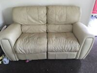 RECLINER LEATHER SOFA SET TWO SEATER & ONE SEATER ARMCHAIR COMFY CLEAN CONDITION DELIVER MANCHESTER