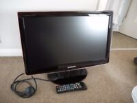 """Samsung Television 18"""" With Remote"""