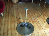 Dining Table round glass top