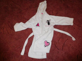 white dressing gown with cat picture 4-5years