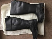Lady's UGG leather boots uk 6.5 never worn