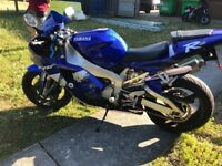 Yamaha R1 5JJ 2000 model lovely condition just had full service