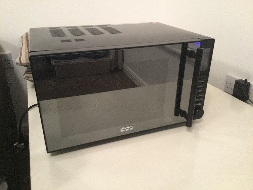 DeLonghi Microwave Oven and Grill 900W