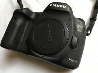 Canon 5D Mk III camera body in excellent + condition, in original box. 126K actuations