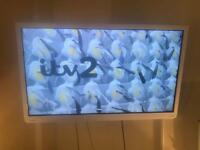 "TOSHIBA white LCD COLOUR TV 32"""