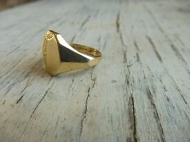 9ct yellow gold mens signet ring full hallmark size R1/2 approx 8.7 grams approx