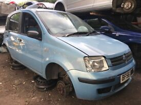 fiat panda 2006 1.2 petrol blue breaking for spares - wheel nut