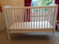 White Saplings Jessica Cot in VGC with drop down side and adjustable base