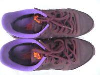Ladies Nike Trainers - size 3. Purple. Excellent condition
