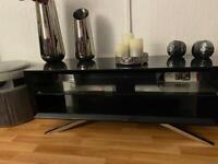 Black gloss tv table
