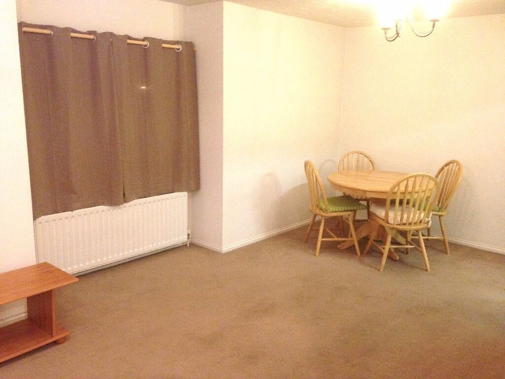 FULLY FURNISHED 1 BED IN SOUGHT AFTER LOCATION - NEAR VALLEY RETAIL PARK !