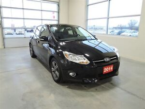 2014 Ford Focus SE Hatchback - One Owner Stratford Kitchener Area image 2