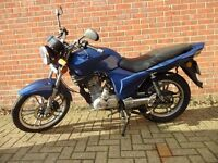 2010 Kymco Pulsar 125cc 4 stroke 5 speed motorbike in very good condition
