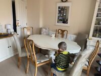 Lovely Shabby Chic Table with chairs
