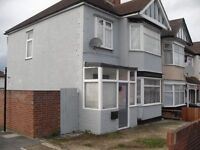 3 Bed spacious end of terrace house