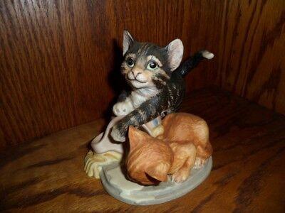 """ MISCHIEF "" By GAIL FERRETTI PORCELAIN CAT & KITTEN FIGURINE FRANKIN MINT 1986"