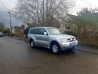 2003 mitsubishi shogun 4X4 diesel 7 seater, auto leather , hpi clear mot 1 year