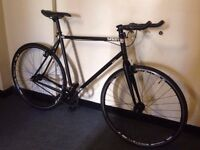 charge plug single speed road bike fixie best on gumtree super light weight bike bargain-