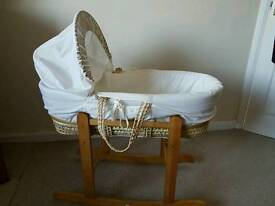 kinder valley moses basket and rocking stand