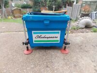 Shakespear tackle box with octopus leg system come with side bate tray