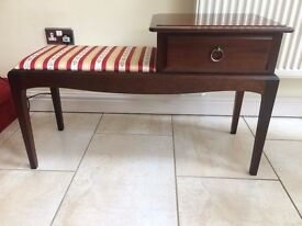 STAG MINSTREL SOLID MAHOGANY SEAT/BENCH, CONSOLE HALL FURNITURE, REGENCY STRIPE PADDED SEAT
