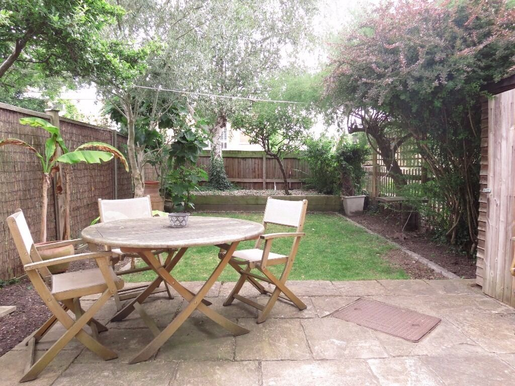 Lovely 3 bedroom house in an amazing location, SW20