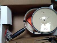 Le Creuset – 20cm Saucepan & Lid with phenolic handle