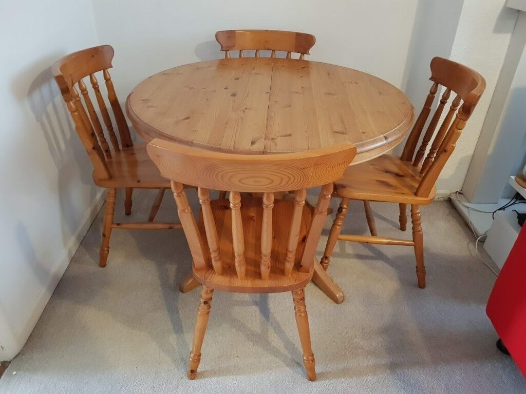 Round Extendable Dining Table & 6 Chairs, St Michael ...