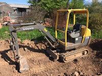 Volvo 1.5t mini excavator, 2006 , 3278 hours, expanding tracks,3 buckets, good working condition