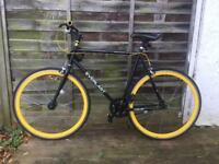 Everlast single speed fixy Road Bike!! Excellent Condition!!