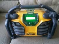 Dewalt 110v / 18v radio