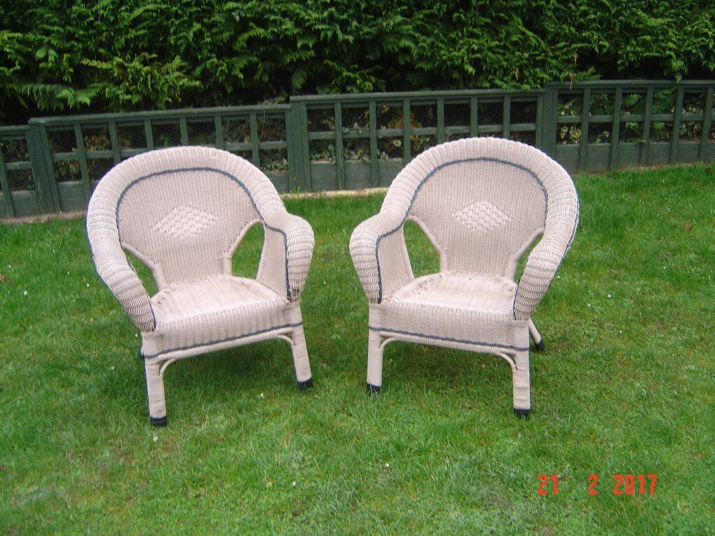pair of plastic weaved garden chairs will sell sepertally can deliver - Garden Furniture Yate