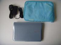 Netbook laptop Samsung NF210 10.1in screen, Intel 1.5GHz Atom, 250GB, Windows 7
