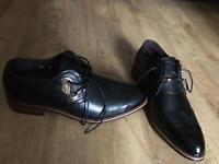 Gents black leather shoes