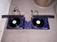 Numark TT1700 decks and mixer