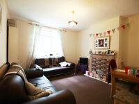 A large 4/5 double bedroom flat set within a purpose built block in Highbury