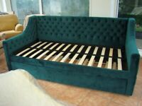 Brand New Single 3 Foot CosmoLiving Emerald Green Daybed with 3 Foot Trundle