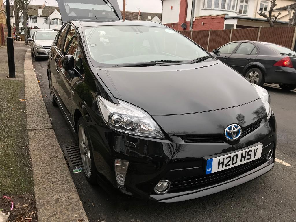 toyota prius 2015 uk model face lift edition with full original toyota leather seats t spirit. Black Bedroom Furniture Sets. Home Design Ideas