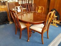 Vintage Oval Mahogany Dining Table and 4 chairs