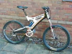 Elan Full Carbon Downhill Mountain Bike
