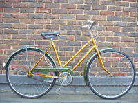 Beautiful Ladies Lightweight 3 Speed vintage bike, Serviced