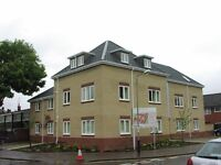 Lovely part-furnished ground floor flat, with parking, close to Chapelfield Park and City Centre.