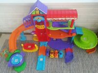 VTech Toot-Toot Animals Pet Hotel Play-set with additional 3 toy animals