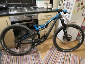 Specialized Stumpjumper FSR Expert Evo Full Carbon Roval Carbon wheels Size M MTB Mountain bike