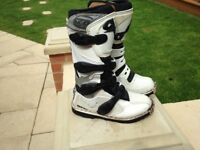 kids oxtar pro tex s motor x boots size 3 only wore a couple of times cost £80 bargain only £40