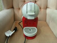 RED KRUPS NESCAFE DOLCE GUSTO COFFEE MACHINE